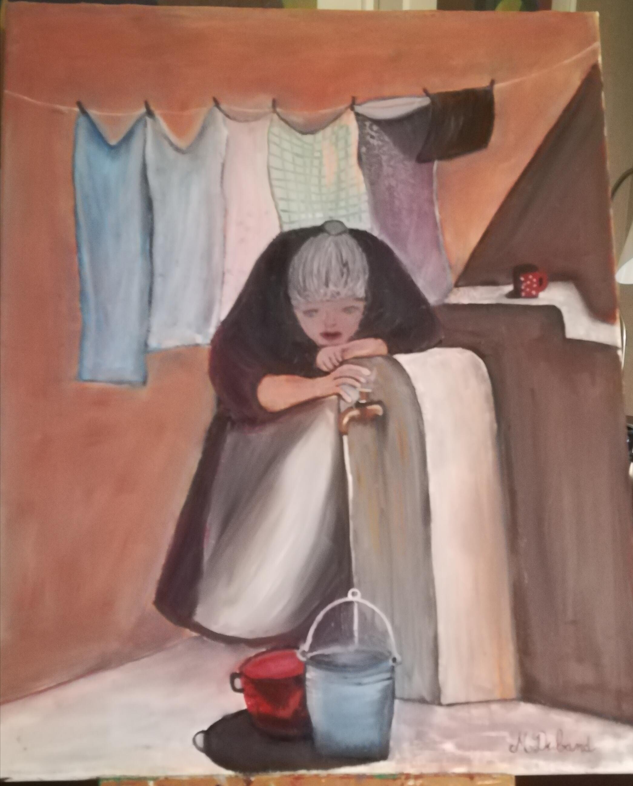 Vieille femme bossue en train de faire des tâches ménagères